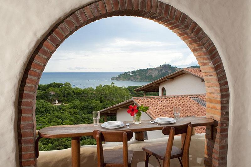 Hotel Piedras y Olas - Calvet & Associates