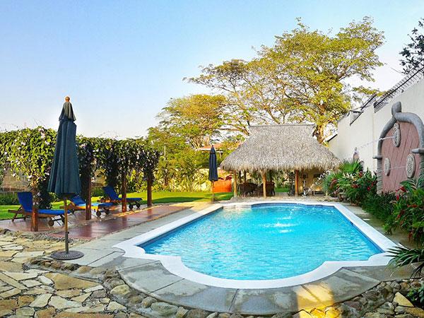 Hotel Los Robles - Calvet & Associates